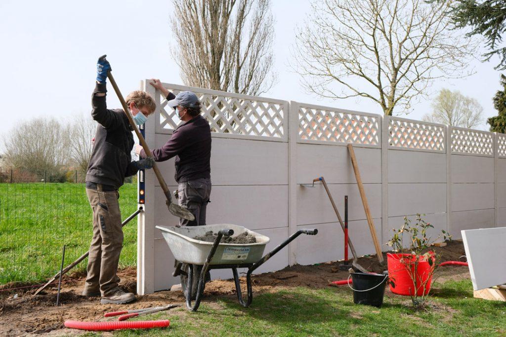 Pose clôture béton teinté dans la masse   Bissezeele – Flandres