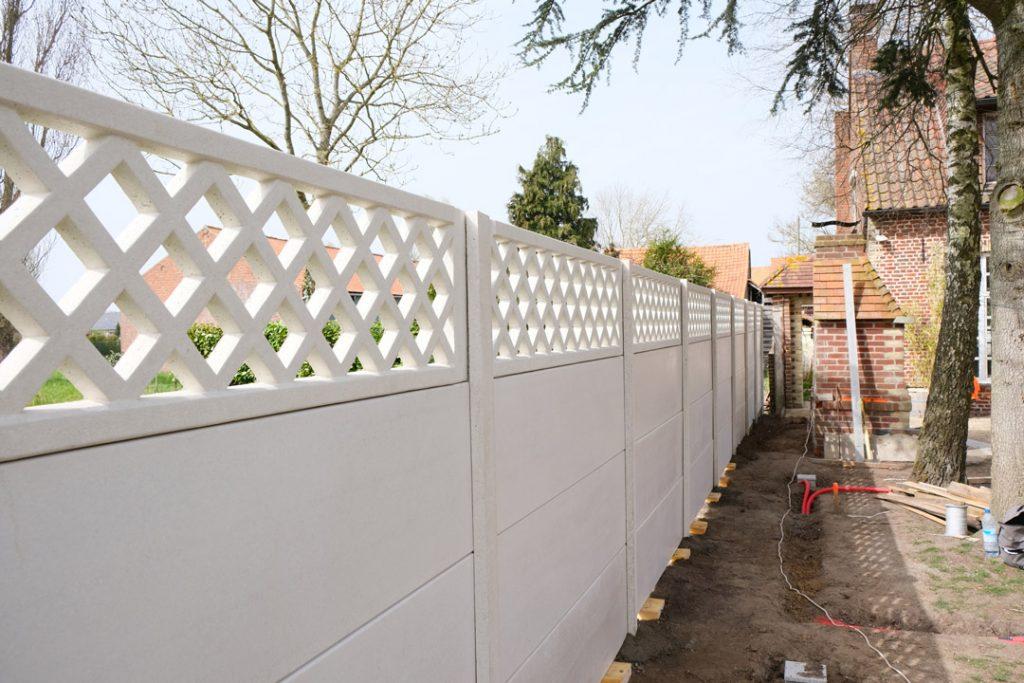 Clôture béton teinté dans la masse   Bissezeele – Flandres